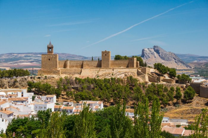 Antequera and Wolves